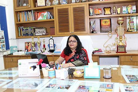 Radhamani Iyer - Principal- Arya Gurukul Kalyan East